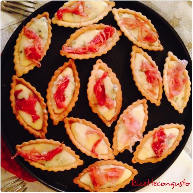 Barchette all gorgonzola e speck
