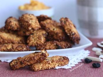 Barrette ai cereali frutti rossi e cocco senza burro e uova