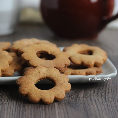 Biscotti fiore al grano saraceno e riso integrale