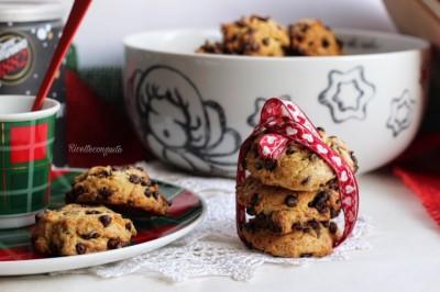Biscotti di frolla montata con gocce di cioccolato