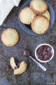 Biscotti cuor cioccolato e nocciole (di frolla con grano saraceno e mandorle senza burro e zucchero)