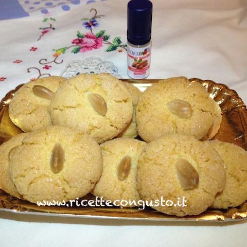 Biscotti di frolla zuccherati alla mandorla
