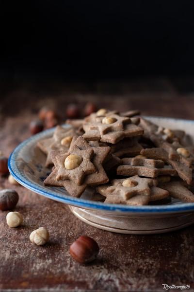 Biscotti speziati alle nocciole