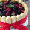Torta charlotte ai frutti di bosco