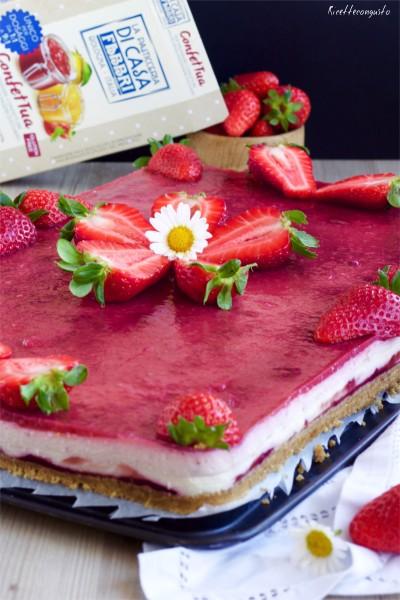 Cheesecake di ricotta e crema pasticcera alle fragole