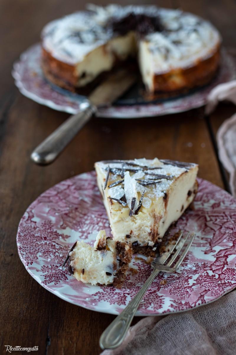 Cheesecake al forno al cioccolato con base di olio di cocco (senza burro)