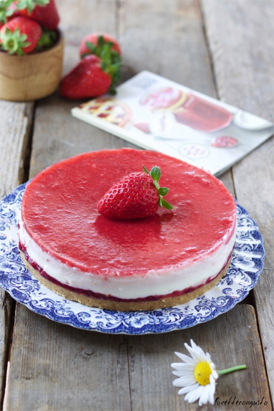 Cheesecake di crema e formaggio quark alla fragola