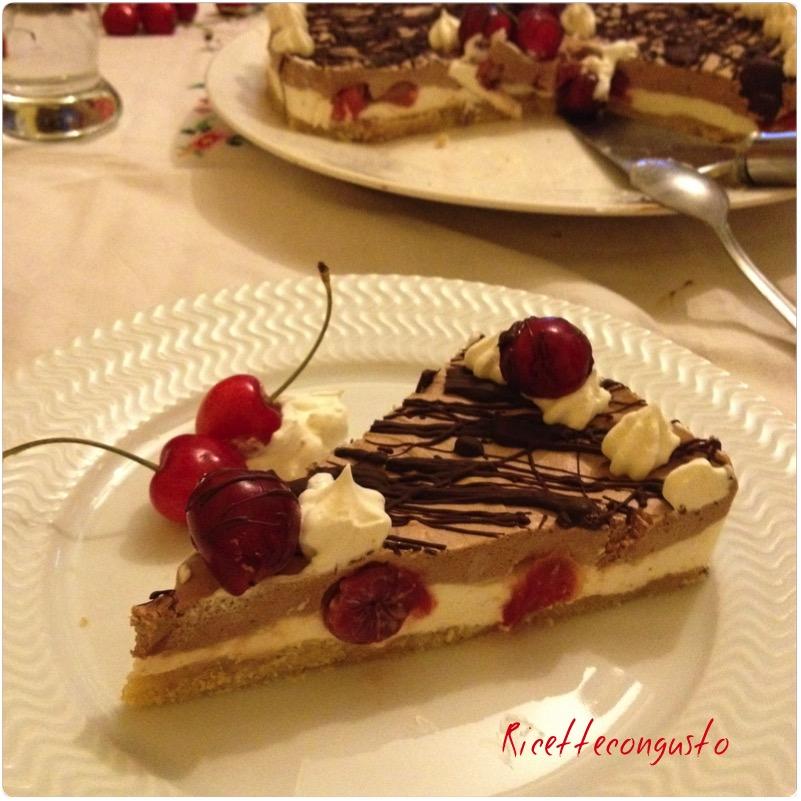 Cheesecake gelata bicolore alle ciliegie