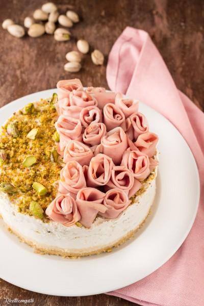 Cheesecake salata pistacchio e mortadella