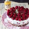 Cheesecake fredda alllo zabaglione con fragole e lamponi