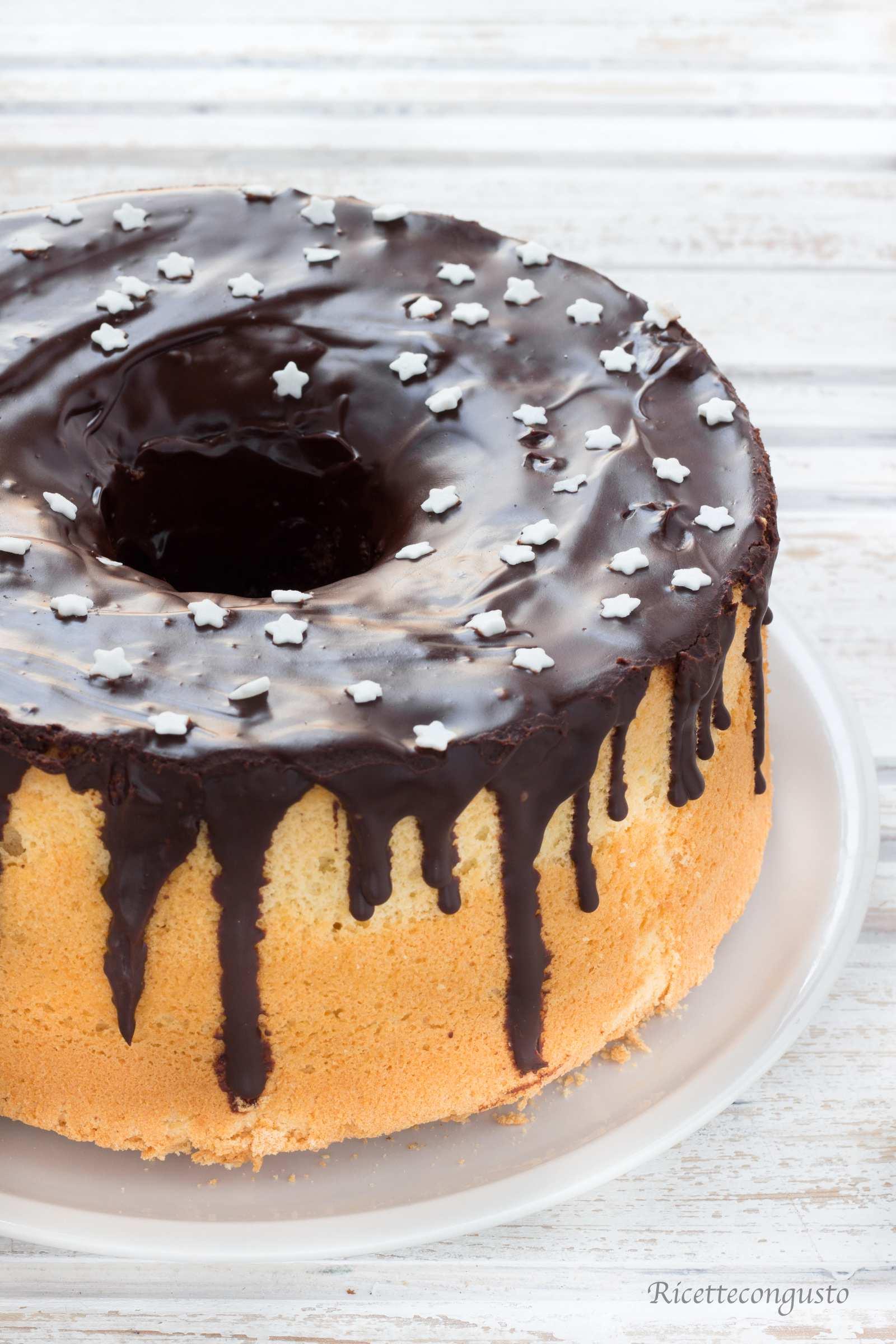 Chiffon cake con ganache al cioccolato fondente