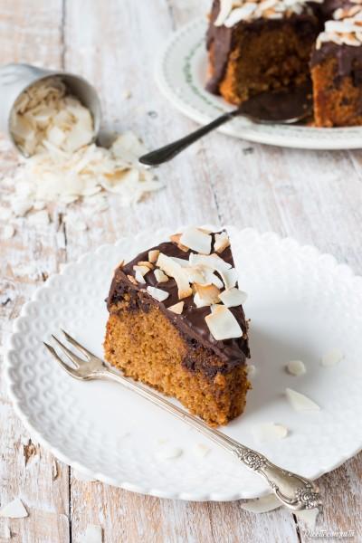 Ciambella al cocco e cioccolato senza glutine (con latte, olio e latte di cocco)