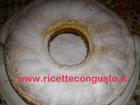 Ciambella all'ananas e yogurt