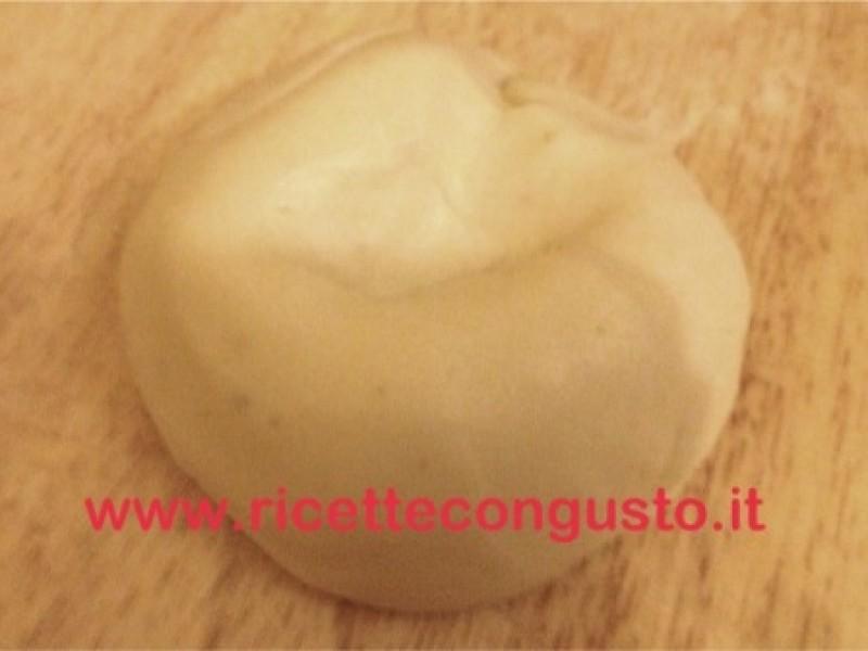 Cioccolato plastico bianco con miele
