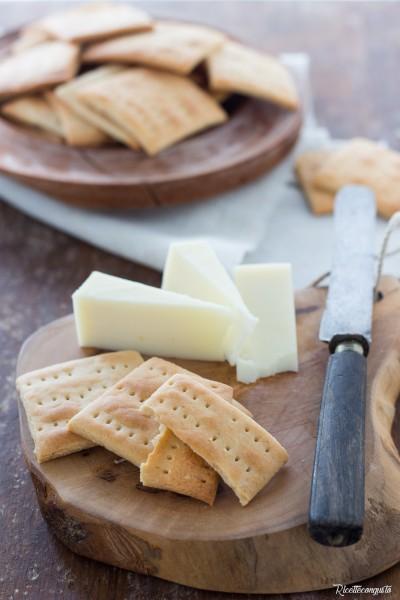 Crackers con farina di riso e sorgo