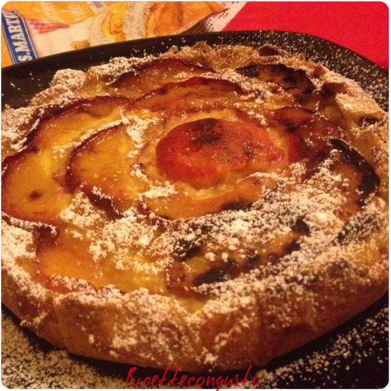 Crostata con crema pasticcera pesche