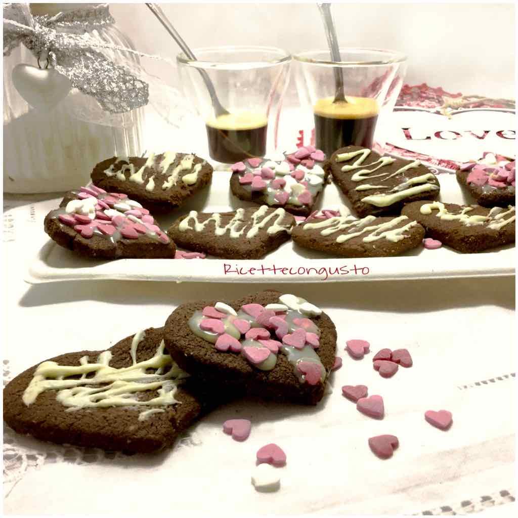 Cuori di cioccolato al burro e nocciole