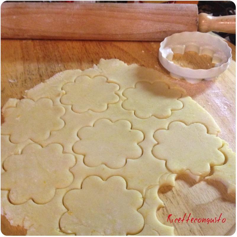 Pasta frolla con farina di riso e olio
