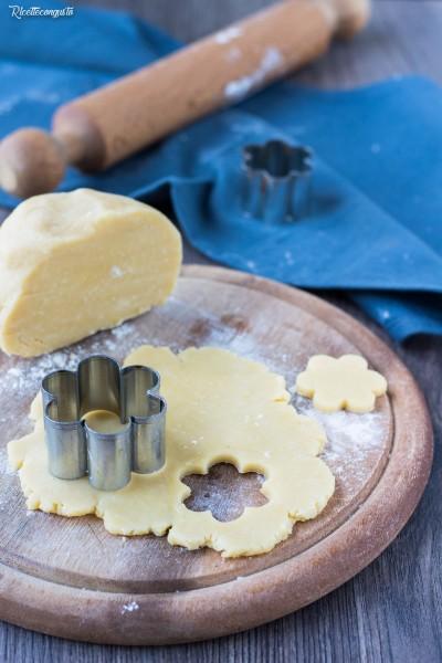 Pasta frolla salata al parmigiano (ideale per frollini)
