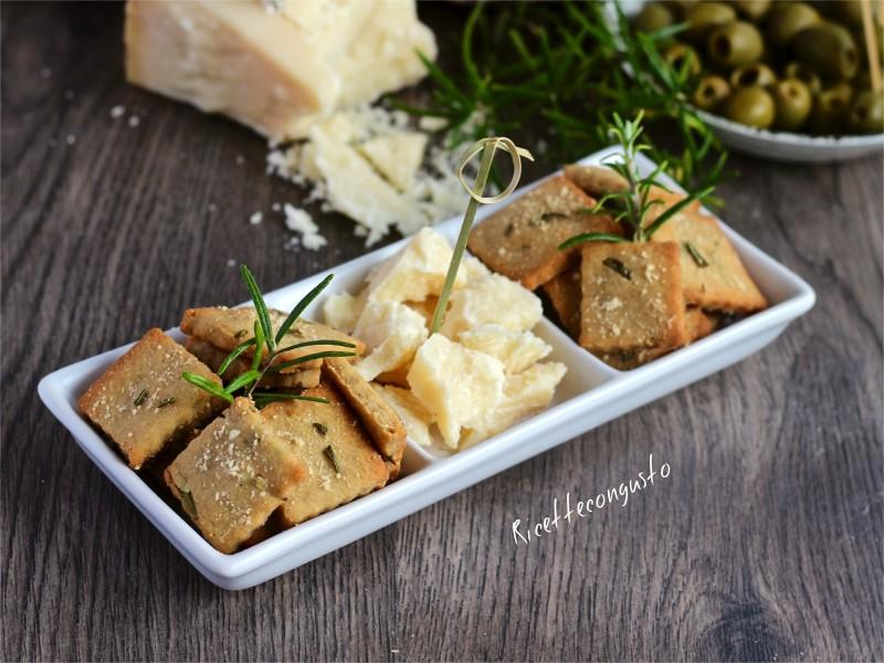 Frollini salati integrali al rosmarino