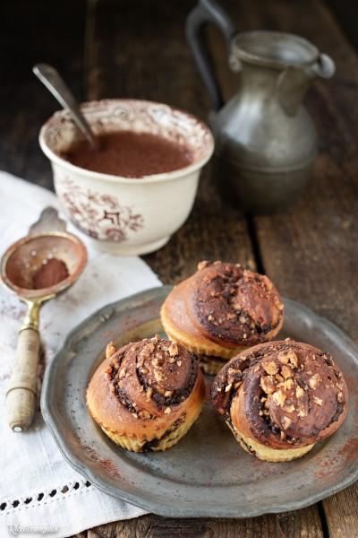 Girelle di panbrioche al cioccolato e nocciole