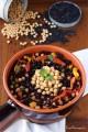 Insalata di riso nero con ceci e peperoni al profumo di menta
