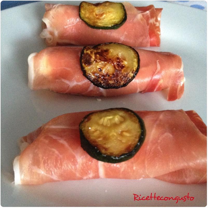 Rotolini di prosciutto crudo, ricotta e zucchine