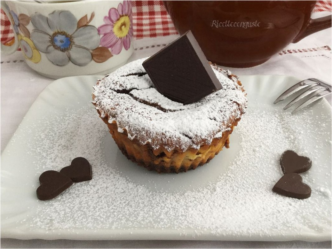 Mini cheesecake al forno con cioccolato fondente