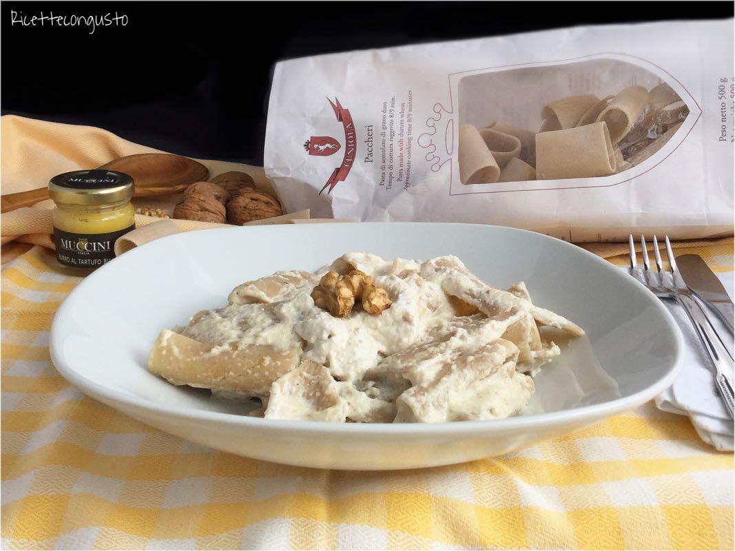 Paccheri in salsa di noci al profumo di tartufo