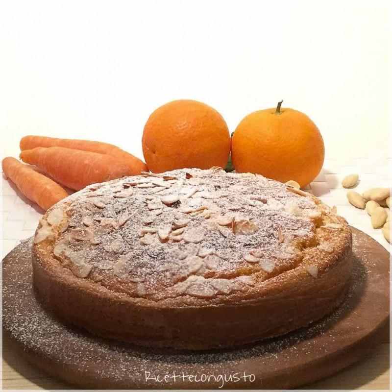 Pan d'arancio con carote e mandorle
