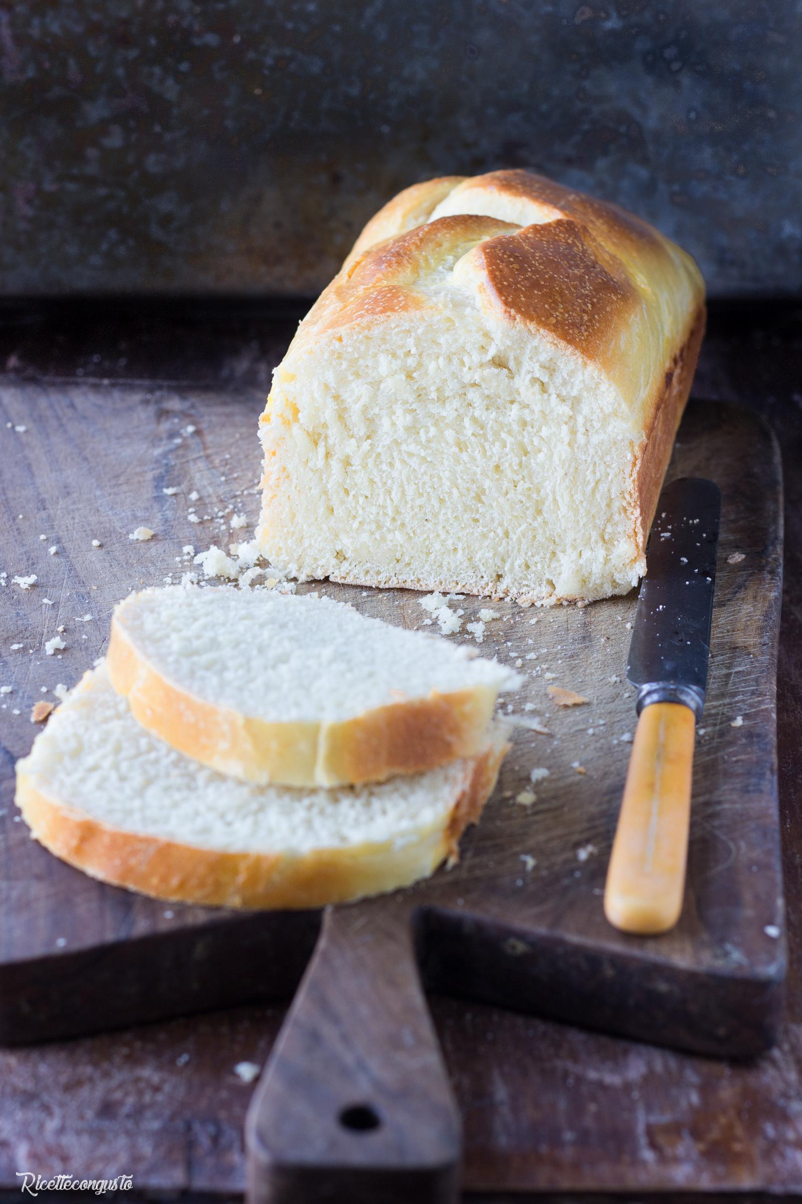 Pan bauletto al latte con lievito madre