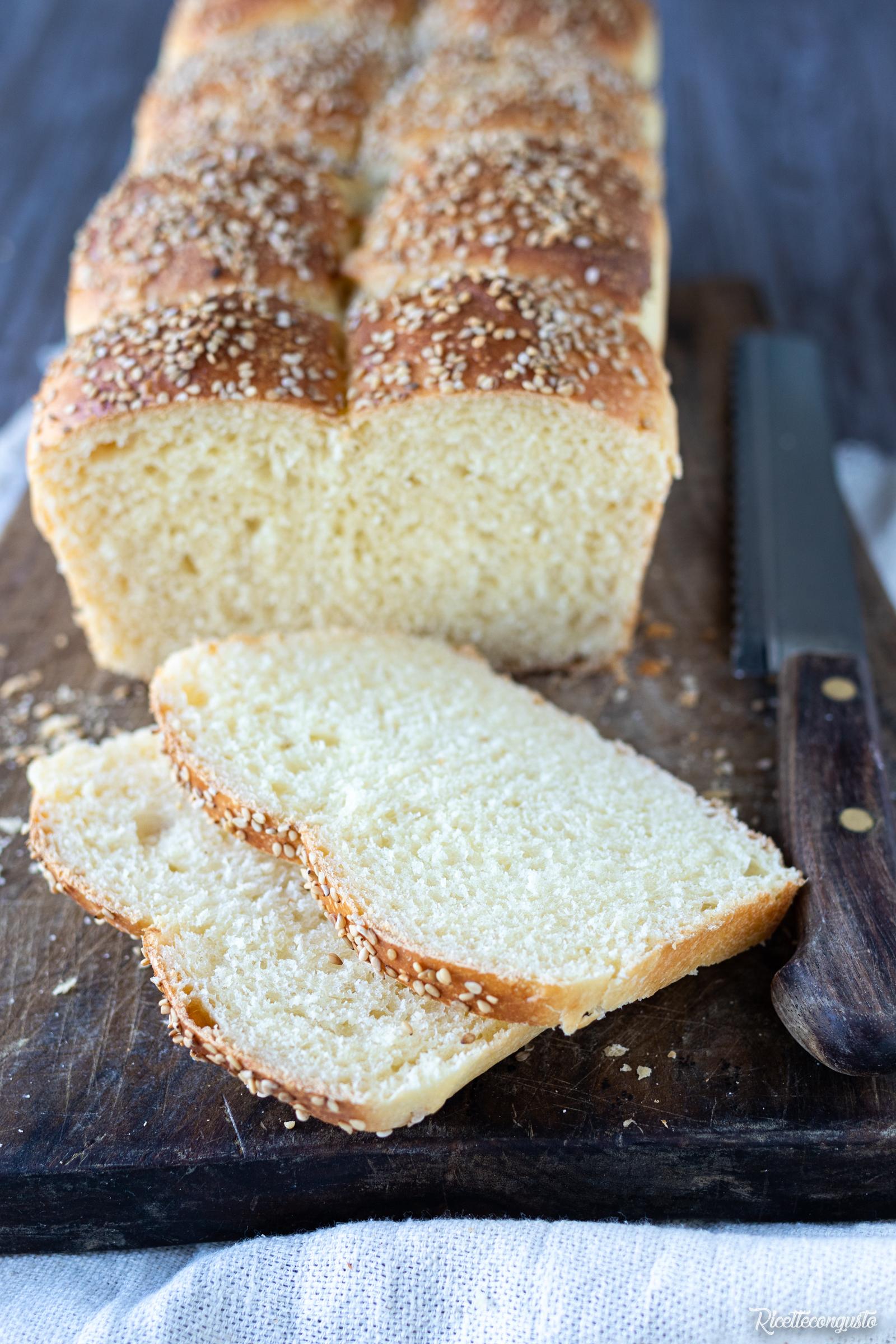 Pan bauletto al latte con lievito naturale