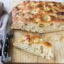 Pane pizza alle olive verdi