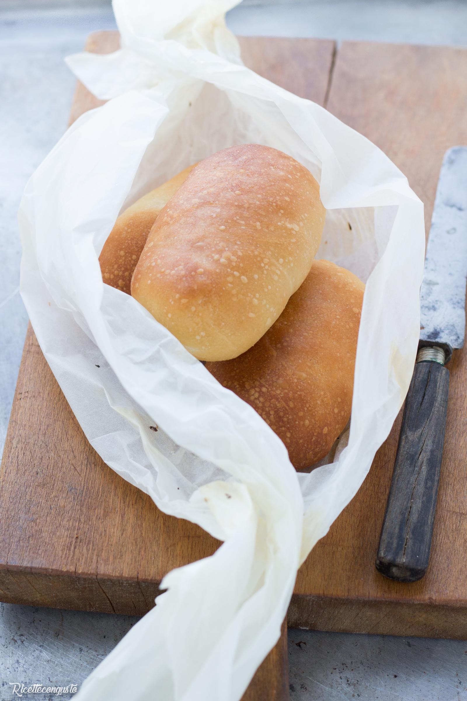 Panini morbidi per sandwich senza burro, latte e uova