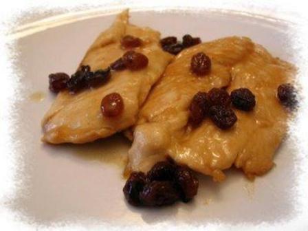 Pollo con uvetta e marsala