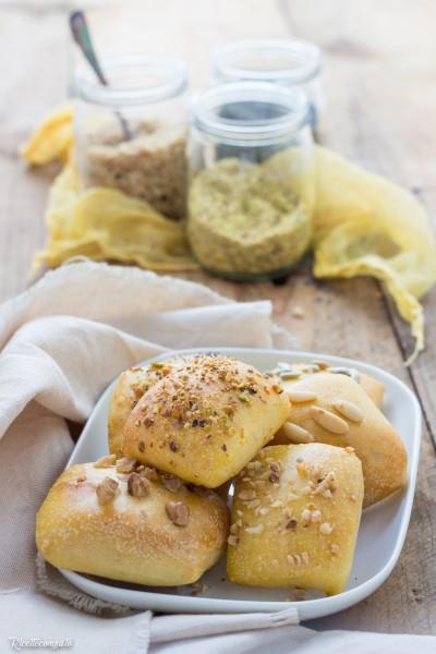 Quadrotti al kefir con semi o frutta secca