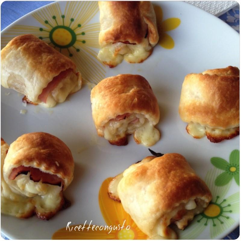 Girelle di sfoglia prosciutto e formaggio