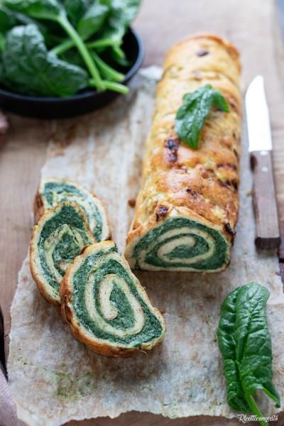 Rotolo di frittata ai porri con ricotta e spinaci