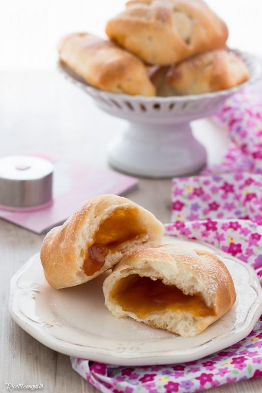 Saccottini alla marmellata di pan brioche impasto all'acqua