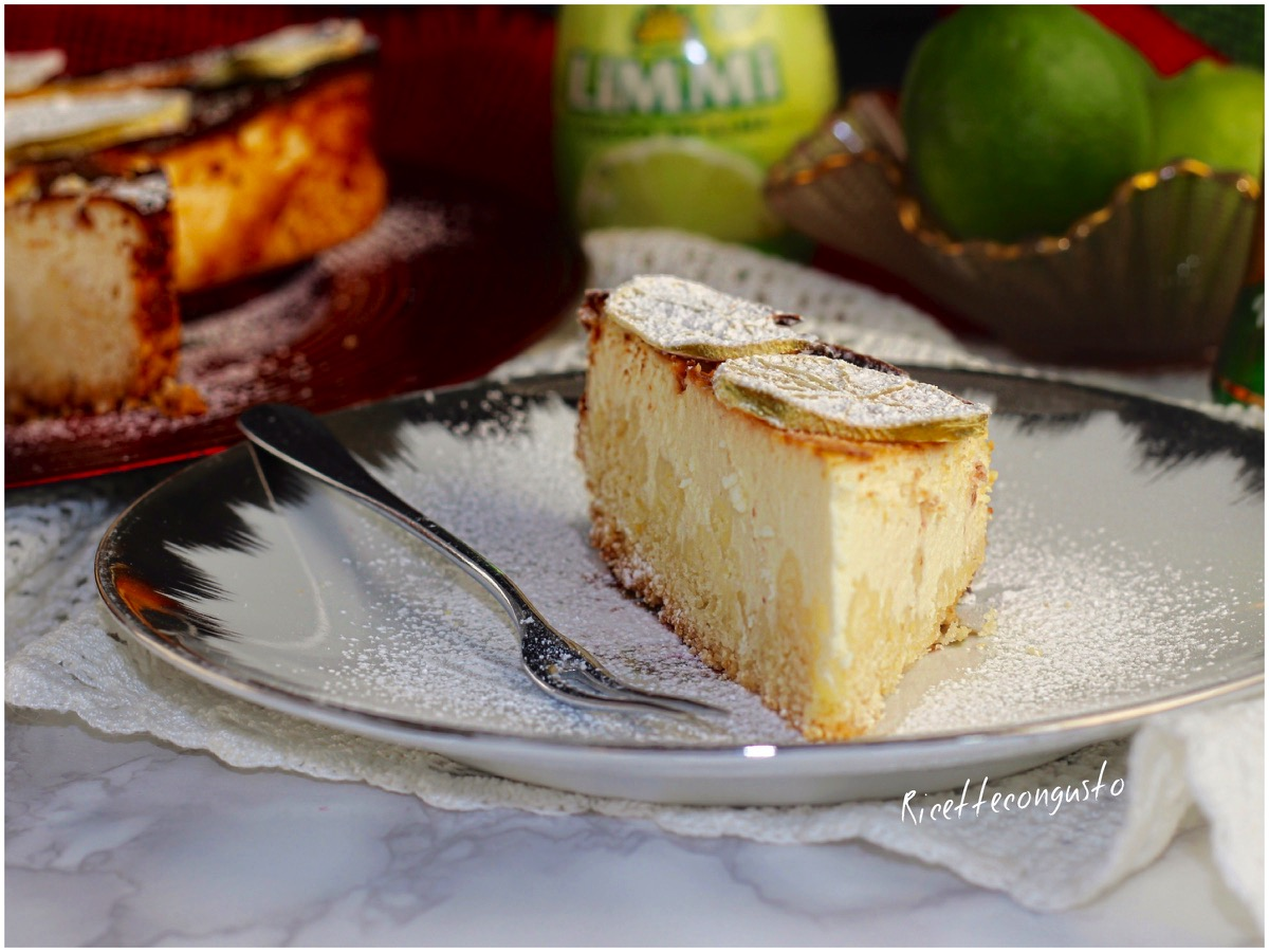 Cheesecake sbriciolata al forno al gusto di lime