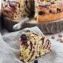 Spirale di panbrioche con marmellata di mirtilli e pistacchio