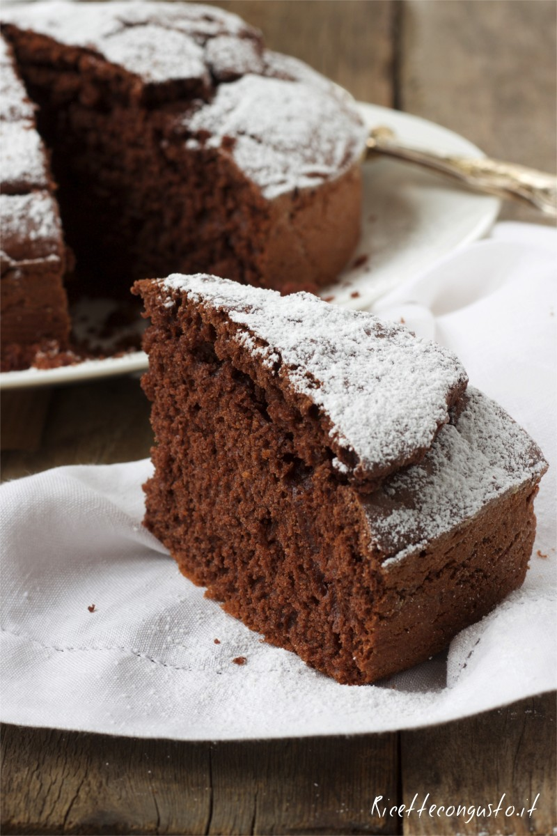 Torta al cacao amaro e cioccolato fondente