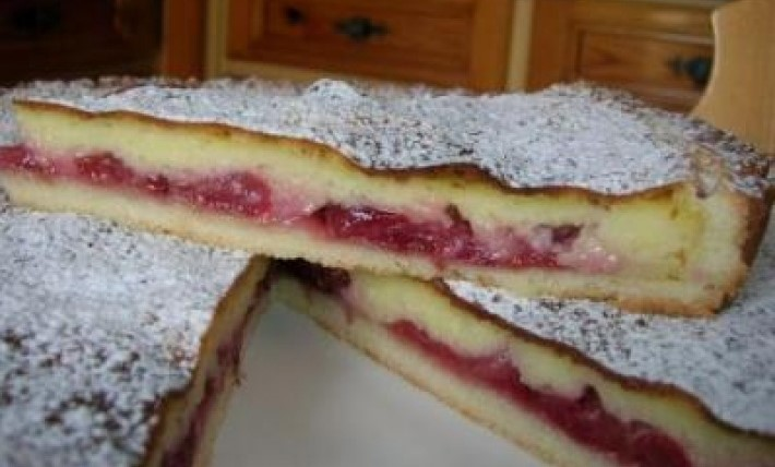 Torta rustica con confettura di ciliegie