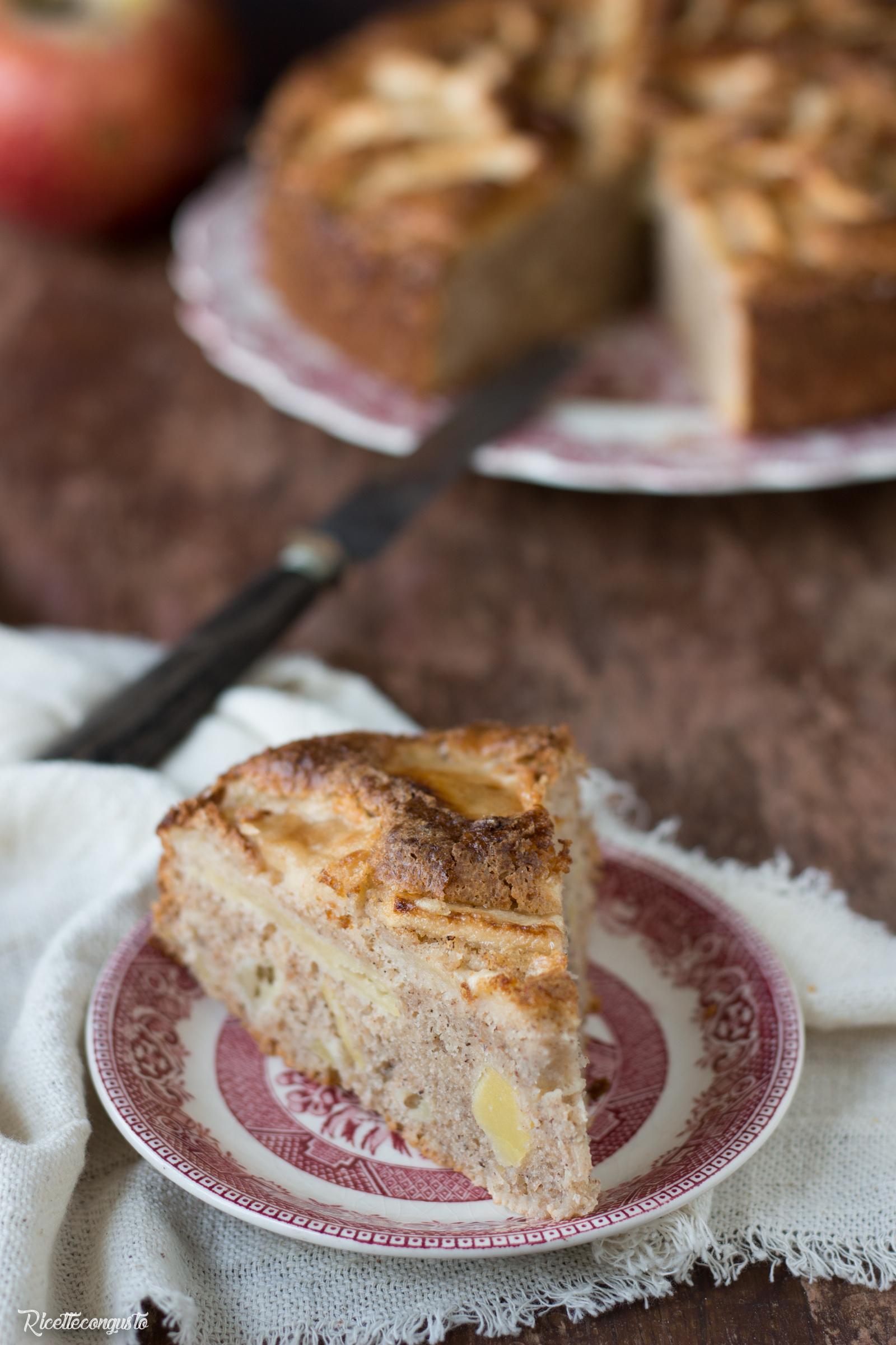 Torta di mele con yogurt e farina di grano saraceno