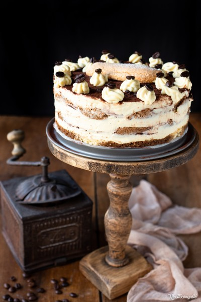 Torta tiramisù con crema al mascarpone e yogurt greco