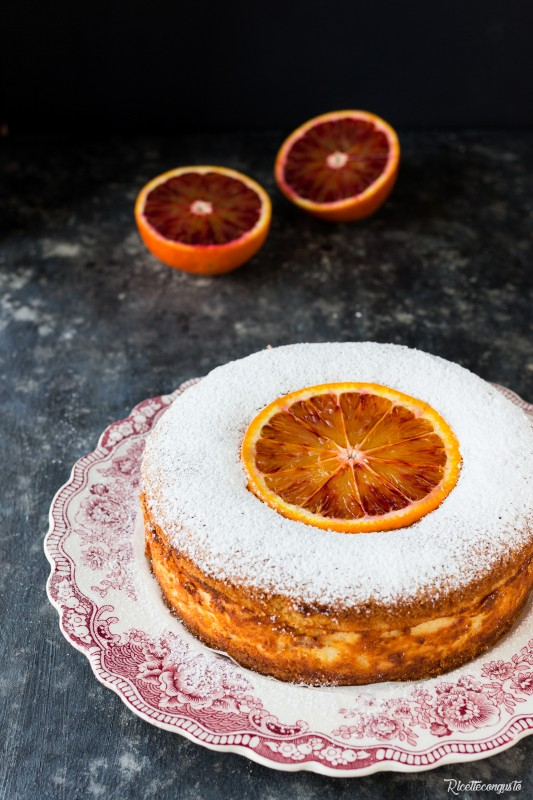 Torta versata con crema alla ricotta e arancia caramellata