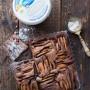 Torta allo yogurt, cioccolato e pere