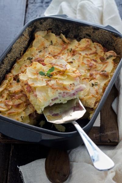 Tortino di patate con prosciutto cotto e scamorza