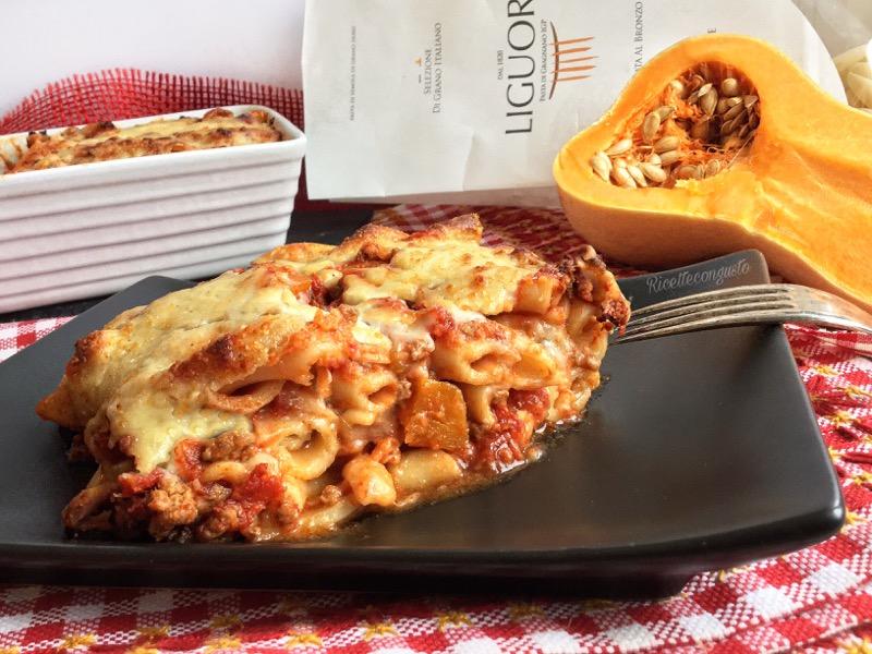 Pasta pasticciata al ragù di carne e zucca