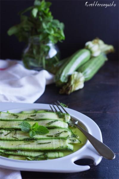 Zucchine crude marinate